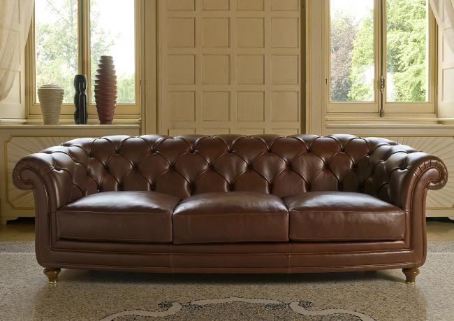 Divano chesterfield oxford berto salotti - Dimensioni divano 3 posti ...