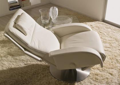 Poltrone Relax Di Design.Poltrone Girevoli Da Salotto Awesome Poltrona Moderna In Tessuto In
