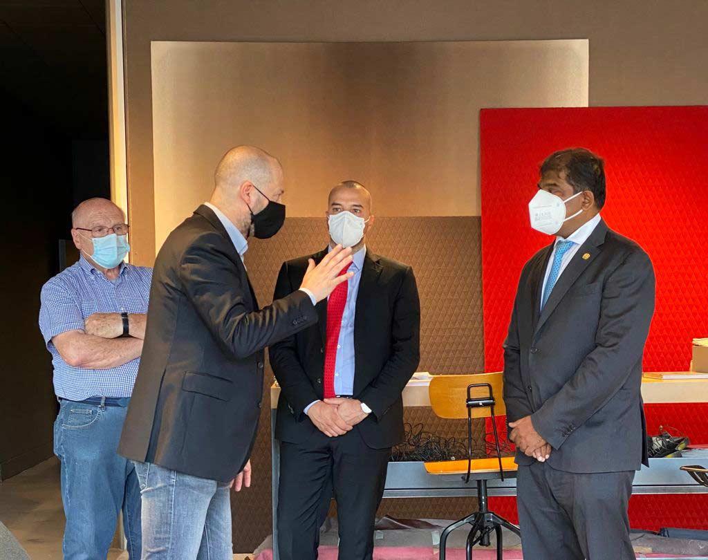 L'ambasciatore della Malesia con Giorgio Berto e Maurizio Riva - Showroom Meda