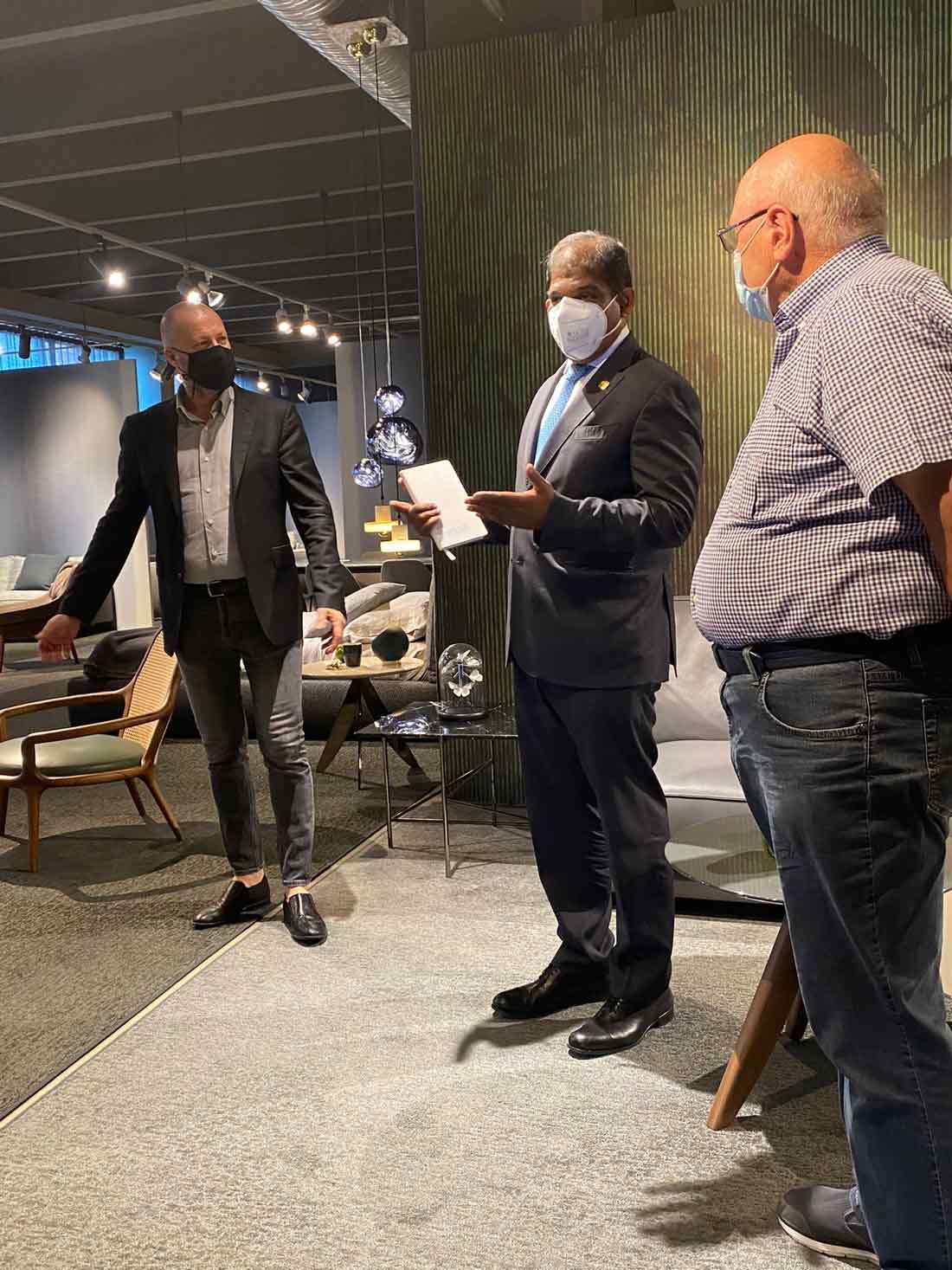 Showroom BertO Meda accoglie l'Ambasciatore della Malesia