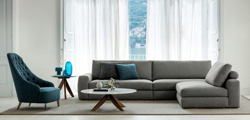 Esposizione divani e divani letto showroom berto a roma for Divani per casa al mare
