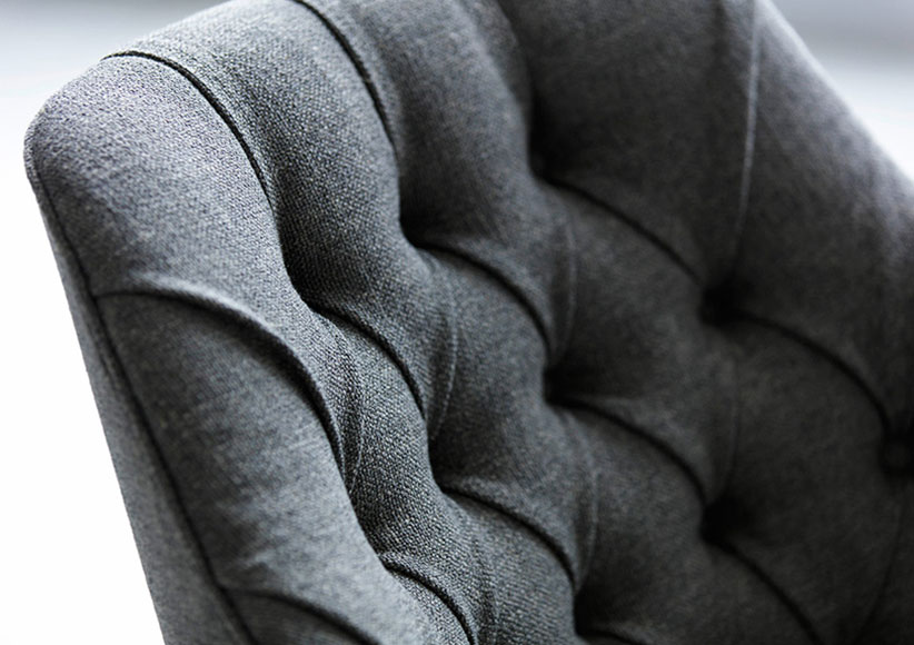 Emilia capitonné armchair made to measure