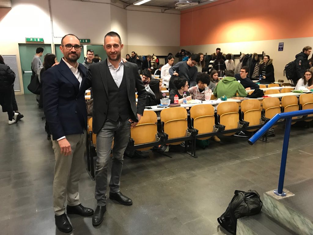 Filippo Berto in aula all'università di Padova con il Prof. Marco Bettiol