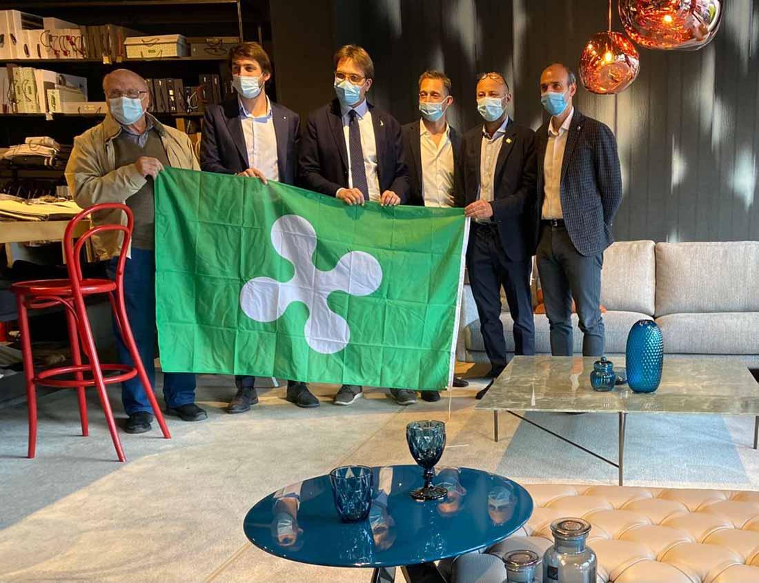 Guido Guidesi Assessore Sviluppo Economico di Regione Lombardia visita lo showroom BertO di Meda