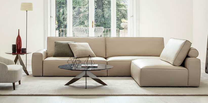 Johnny sectional sofa with one-piece soft seat