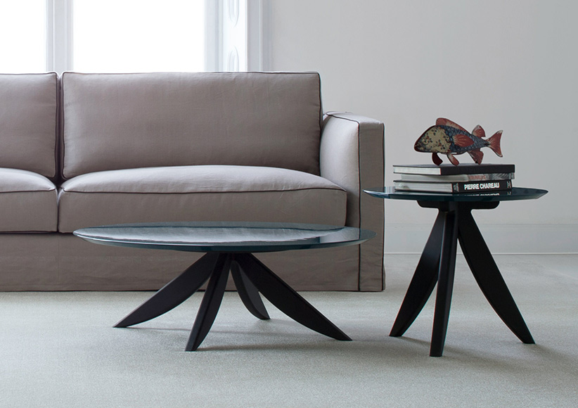 Circus coffee table with base in wengè solid oak and octane laquered top