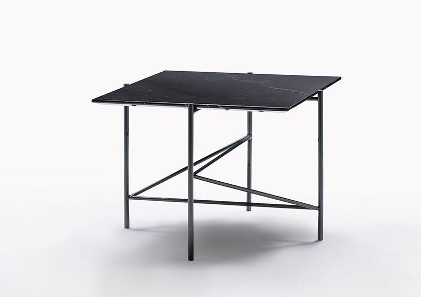 Tavolino Riff quadrato alto con piano in marmo